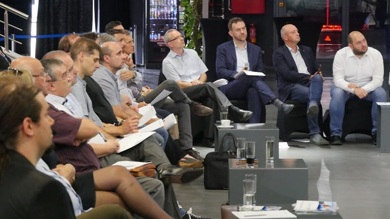 Industry4-industrum-odbornici-stvrta-priemyselna-revolucia-diskusia
