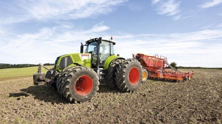 polnohospodarska-technika-traktor-a-industry4