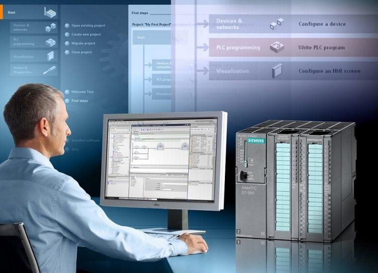 digitalizacia-podnikov-industry4-zvysenie-produkcie-muz-za-pocitacom-data-internet