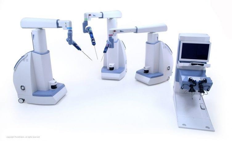 senhance-robot-surgeric